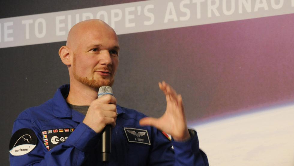 Alexander Gerst bei seiner letzten Pressekonferenz in Köln: Im Juni fliegt er als erster deutscher Kommandant zur ISS.