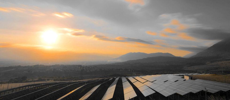 Solarfeld in Saudi-Arabien: 200 Milliarden US-Dollar will das Land in das größte Solarkraftwerk der Welt investieren.