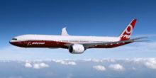 Erstes Passagierflugzeug mit klappbaren Flügeln