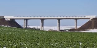Diese Autobahnbrücke kann sich ohne Dehnfugen bewegen