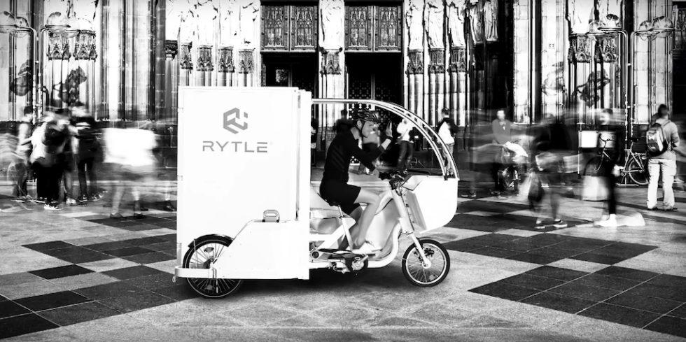 Paketauslieferung per Wasserstoff-Bike