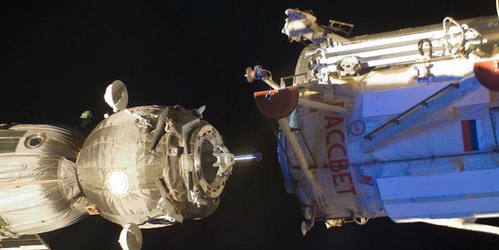 Bei einem Treffen im Weltraum kommt es auf ein präzises Timing an.