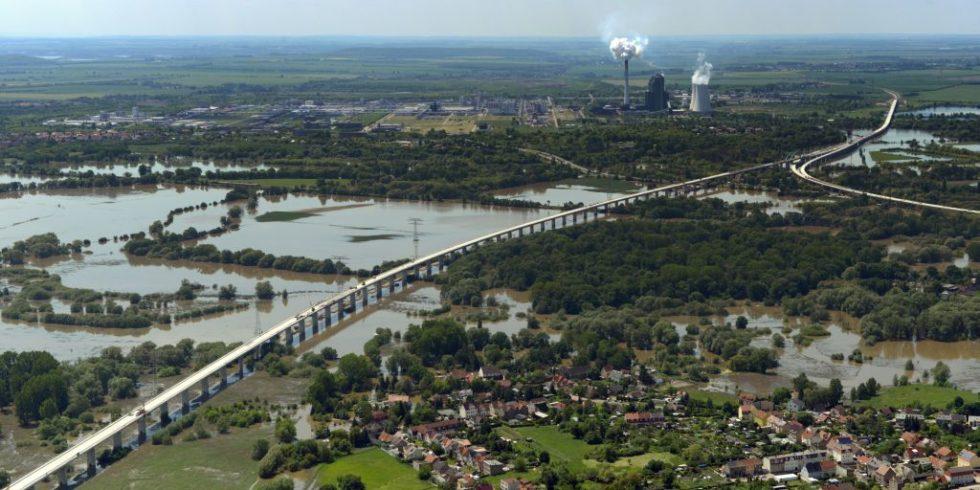 Luftbild der Saale-Elster-Talbrücke