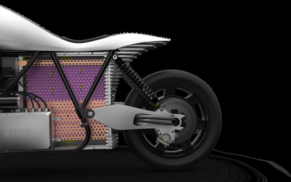 Schweizer Elektro-Motorrad mit 400 km Reichweite