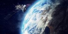Musterbild: Satellit vor Erde