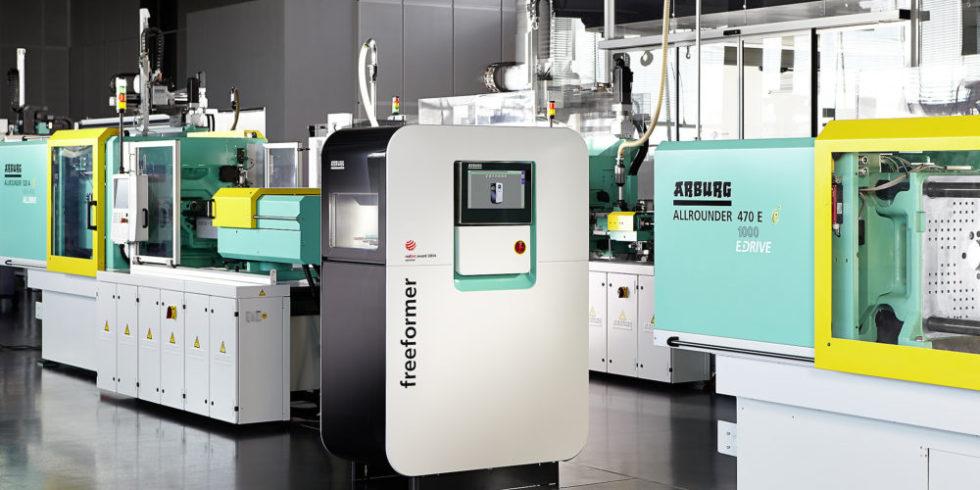 Mit Allrounder-Spritzgießmaschinen und dem additiven Fertigungssystem freeformer deckt Arburg zwei wichtige Felder der Kunststoffverarbeitung ab.