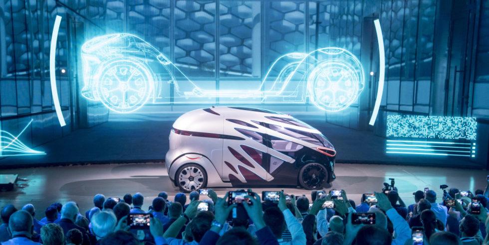 Einer für alle: Modularer autonomer Mercedes transportiert Güter oder Personen