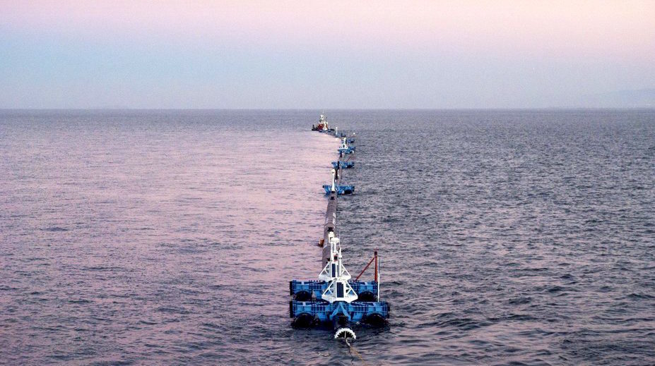 Der erste Müllsammler nimmt im Pazifik seine Arbeit auf