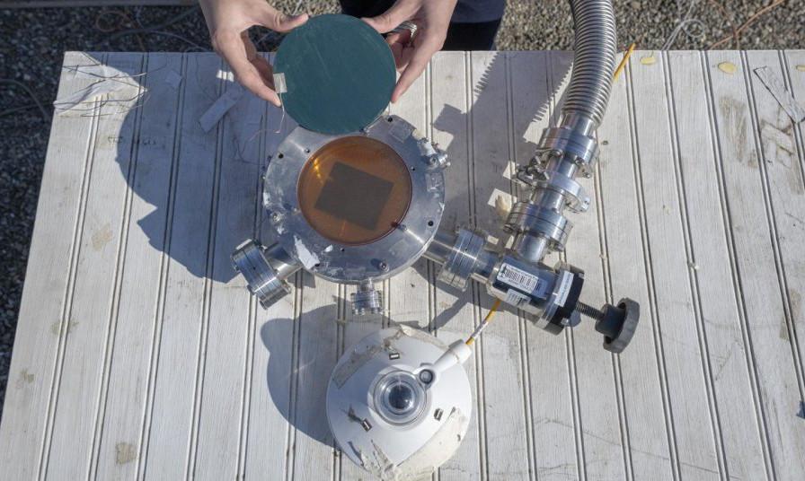 Abbildung der neuen Kopplung von Solarabsorber und Strahlungskühlung