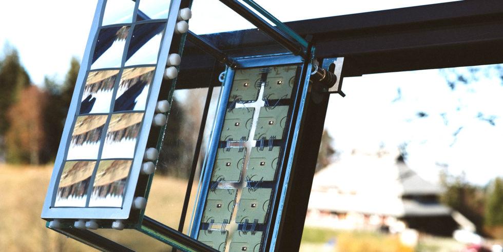 Das Foto zeigt das neu entwickelte Konzentrator-Photovoltaikmodul