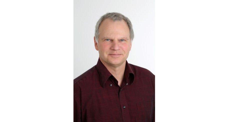 Matthias Buchert leitet den Bereich Ressourcen & Mobilität des Öko-Institut e.V. Der promovierte Chemiker ist schon seit 1992 beim Öko-Institut, das sich als eine unabhängiges Forschungs- und Beratungseinrichtung für nachhaltige Zukunft etabliert hat. Bucherts Forschungsschwerpunkt ist die nachhaltige Ressourcenwirtschaft.