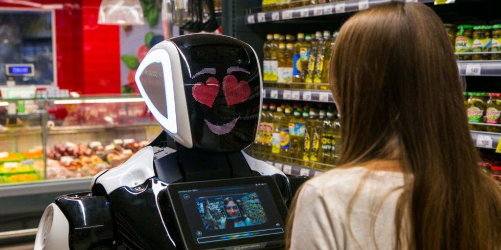 Ein Promobot wie dieser wurde am Sonntaagabend auf dem CES-Messegelände umgefahren - von einem autonomen Fahrzeug. Quelle: Promobot