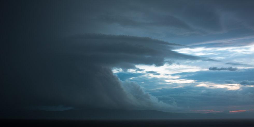 Himmel mit Wolken und Licht