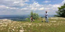 Zwei Männer von Anders VR bei den Aufnahmen eines Yogafilms