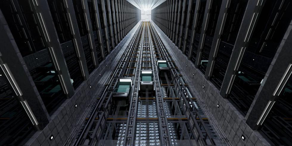 Aufzüge an der Außenseite eines Giga-Hochhauses