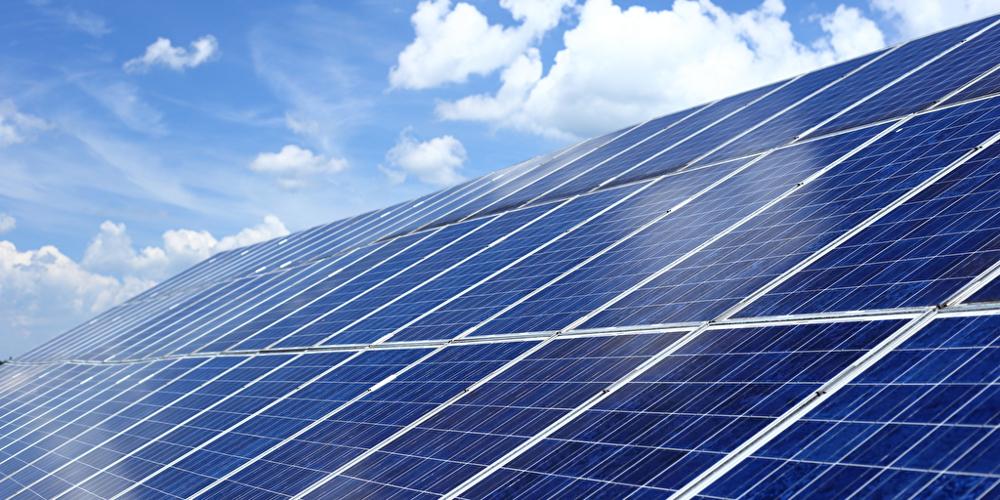 Deutschlands größter Solarpark entsteht in Brandenburg - ingenieur.de