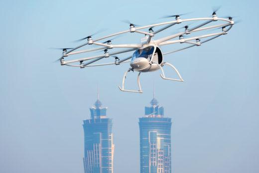 Der Volocopter 2X bei einem Testflug in Dubai. Foto: Volocopter
