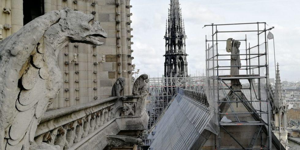 So sah sie mal aus von oben - und so soll sie auch wieder aussehen: die Notre Dame de Paris. Foto: L. Schneider