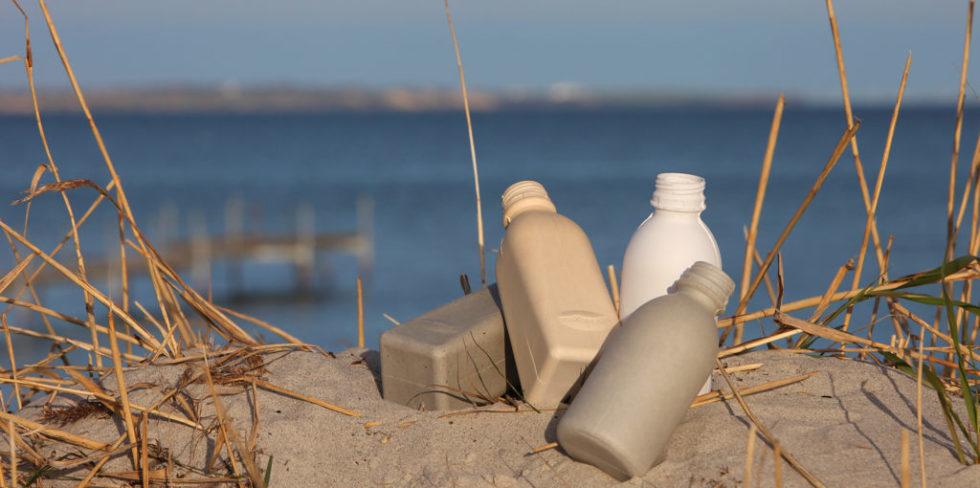 Verpackungen langweilen Sie? Dabei ist diese Flasche aus Holzfasern deutlich umweltfreundlicher als herkömmliche Getränkehüllen. Und Ingenieure arbeiten daran, Verpackungen außerdem Intelligenz und Entertainerqualitäten einzuhauchen.