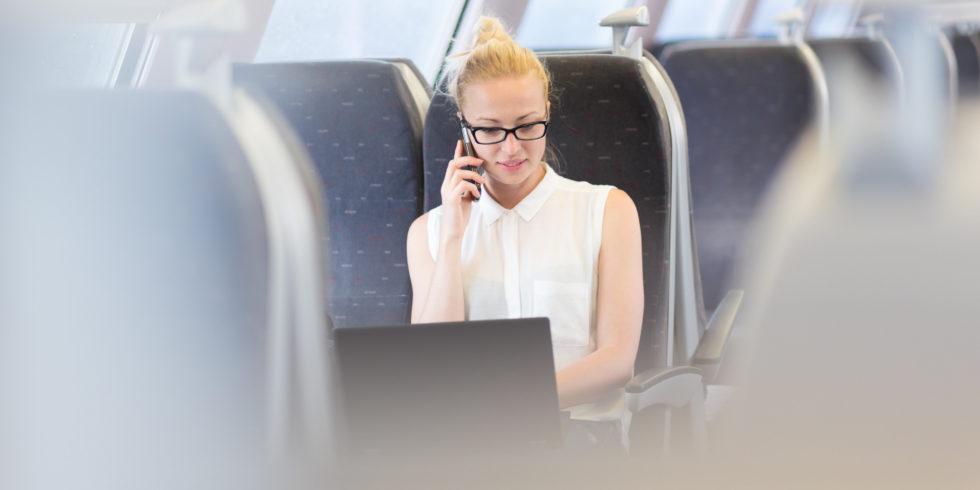 So könnte eine Reisende im möglichen upBus aussehen Foto: panthermedia.net / matej kastelic
