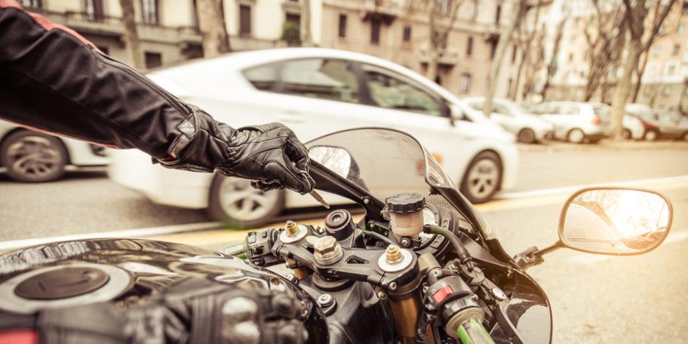 Motorrad im Stadtverkehr