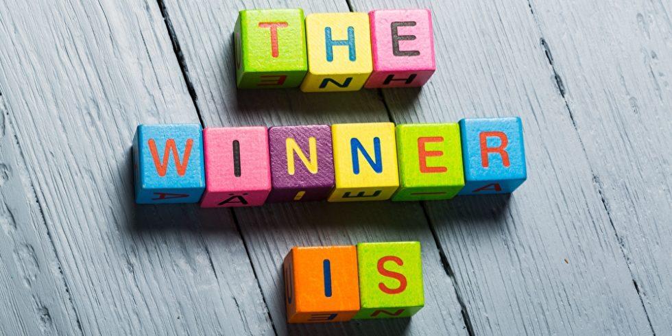 Würfel mit Buchstaben ergeben The Winner is