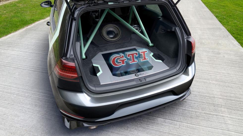 GTI-Schriftzug als Hologramm im Kofferraum