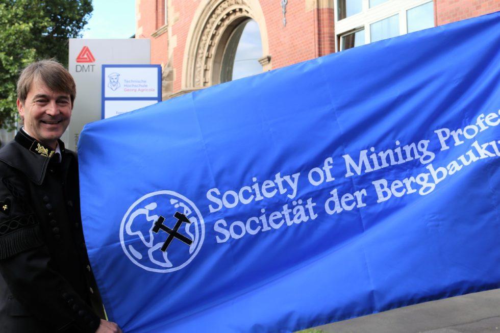 2018 hat Prof. Dr. Jürgen Kretschmann die SOMP-Präsidentschaft übernommen. Der Hochschulpräsident aus Bochum leitet damit die weltweit führende Fachgesellschaft der Bergbauwissenschaften.