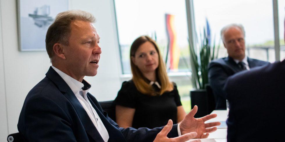 Gründer-Roundtable mit Dr. Dieter Kraft (links vorne im Bild)