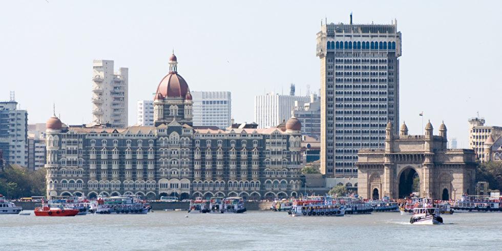 Blick auf das Gate of India in Mumbai