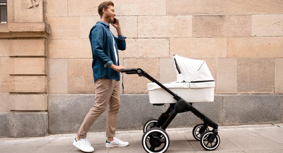 bosch entwickelt einen kinderwagen mit elektroantrieb. Black Bedroom Furniture Sets. Home Design Ideas