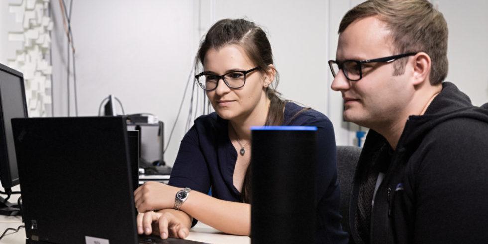 Forscher arbeiten an Sprachassistent