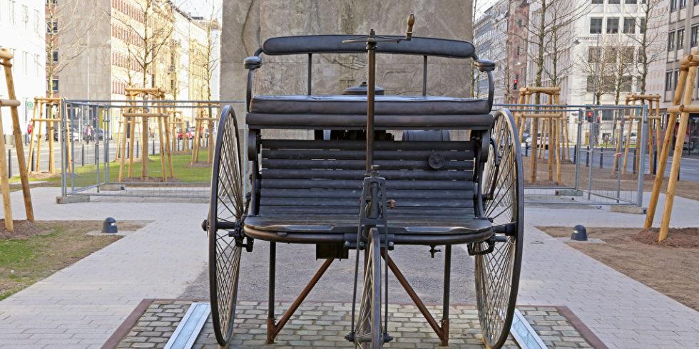Carl benz carl benz automobil autobaupionier patentmotorwagen dreiradfahrzeug mannheim