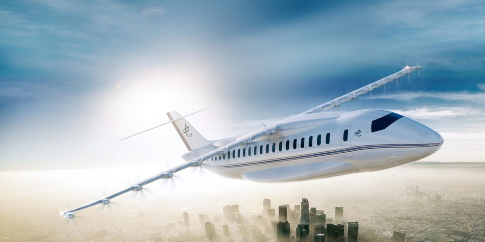 Viele kleine elektrisch betriebene Propeller entlang der Tragfläche sorgen für mehr Auftrieb. Die Flügelfläche kann dadurch verkleinert werden, das spart Gewicht, Widerstand und Energie.
