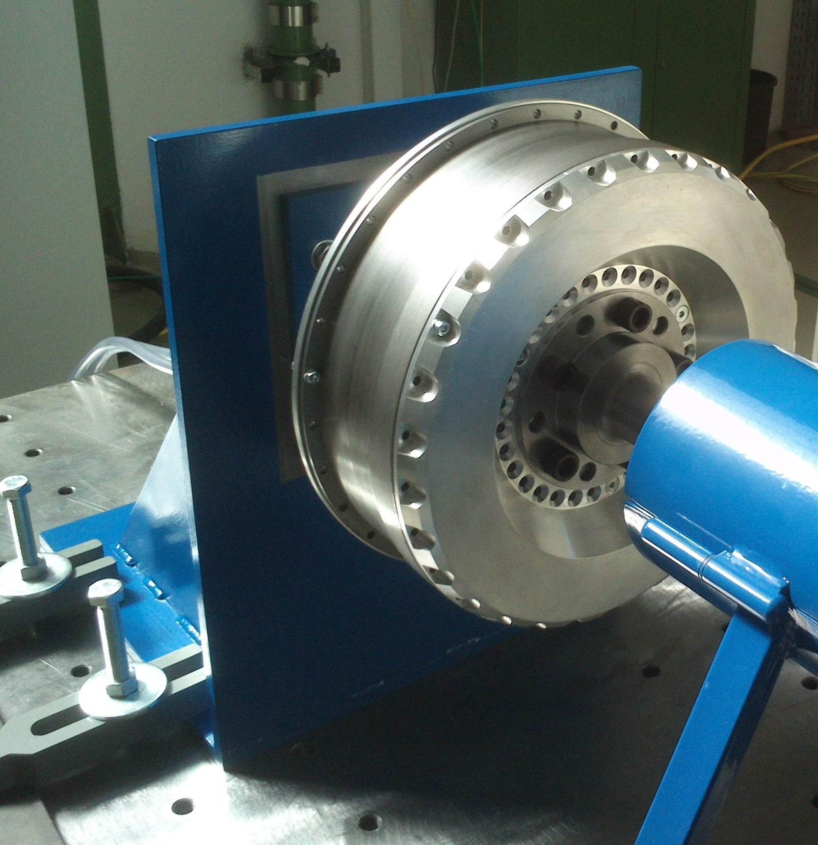 Bild 2 Radnabenmotor Elisa-Eins auf dem Leistungsprüfstand. Bild: Verfasser