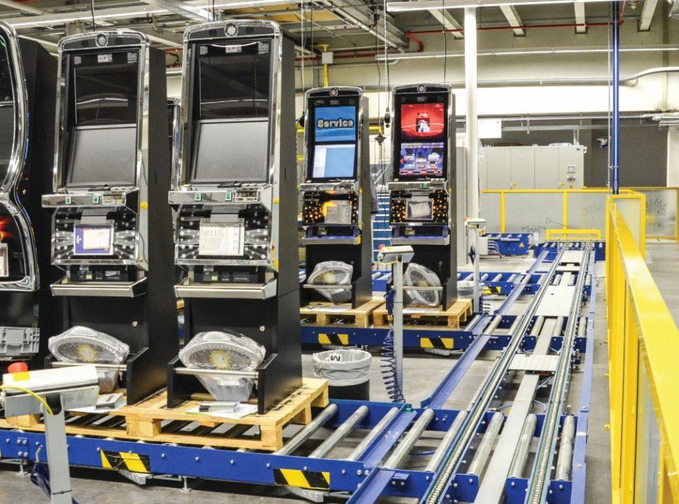 Die Torwegge GmbH hat für den Geldspielgerätehersteller adp Gauselmann ein schnelles und platzsparendes Montage-Management-System entwickelt. Bild: Torwegge