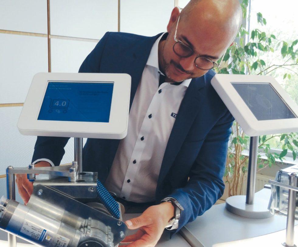 Oliver Heyne stellte in Wermelskirchen den neuen E-Drive ultimate vor. Bild: Rolf Müller-Wondorf