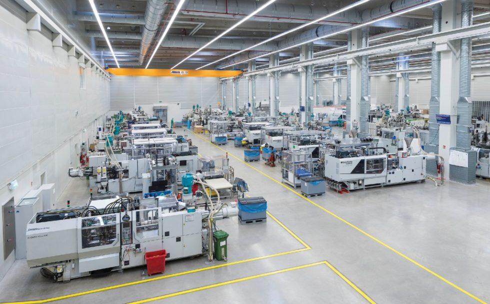 Am Standort Lohne stellt Pöppelmann unter anderem Düngeeimer mit einem Anteil vom mindestens 90 % Post-Consumer-Rezyklat her. Bild: Pöppelmann