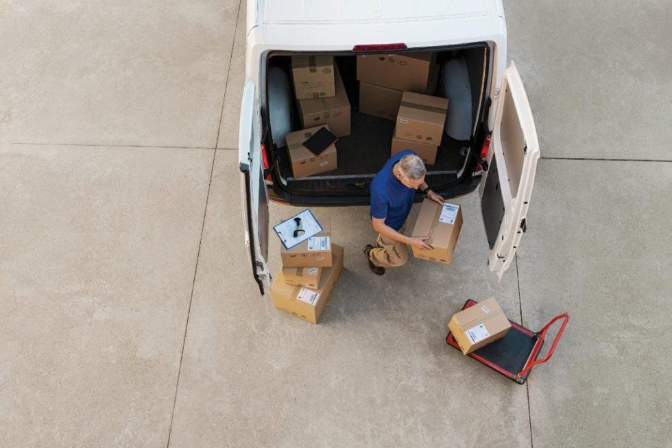 Für das Überleben von Handelsunternehmen ist es zunehmend entscheidend, wie effizient und reibungslos sie die erste und die letzte Meile ihrer Lieferkette bewältigen. Bild: iStock-901090278