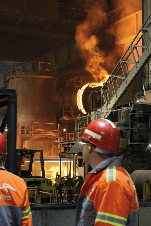 Das Stahlwerk ArcelorMittal braucht große Strommengen. Durch intelligentes Lastmanagement kann dieses Werk zu einem wichtigen Partner der Energiewende werden.Bild: Sandra Meyer