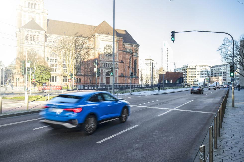 Audi Q3 Sportback auf der Straße