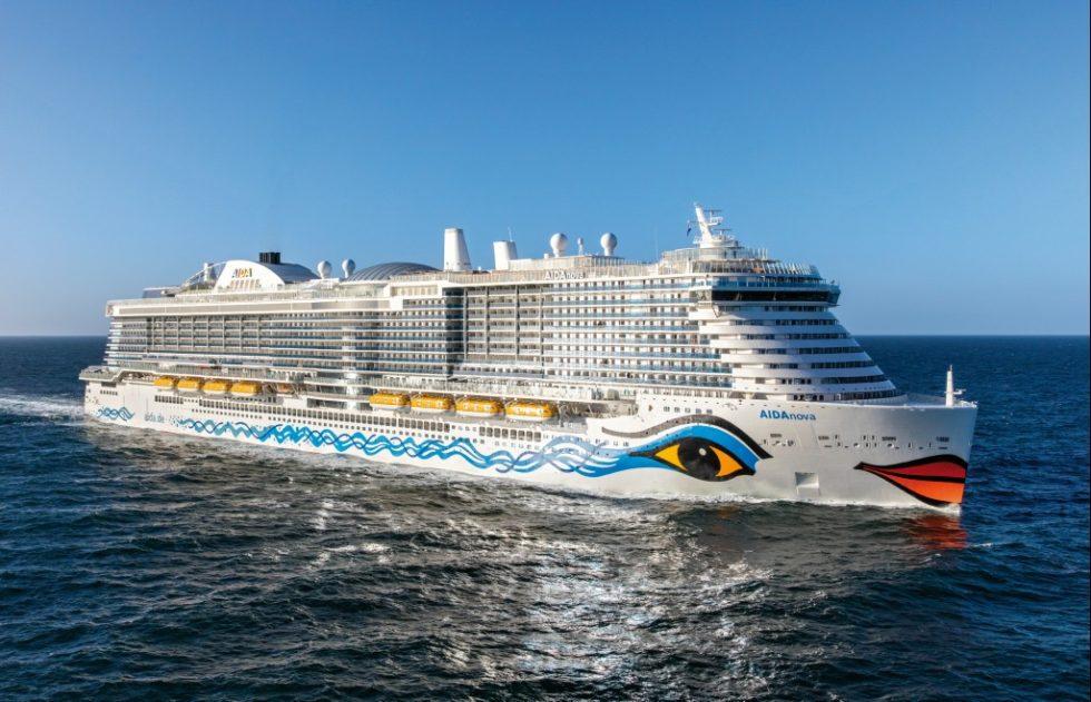 Die AIDAnova stach Ende 2018 als erstes Kreuzfahrtschiff weltweit mit Flüssiggasbetrieb in See. Bild: Meyer Werft
