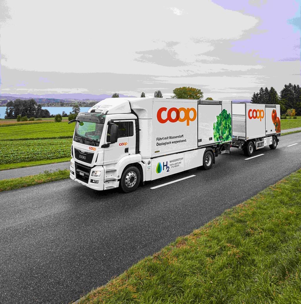 Mit rund 1.000 wasserstoffbetriebenen Lkw bis 2023 wollen die Mitgliedsunternehmen die Wasserstofftankstellen auslasten. Bild: Coop Genossenschaft