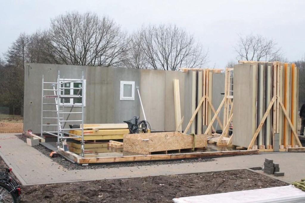 Die Verbundelemente wurden mit der statisch erforderlichen Holzständerkonstruktion kombiniert. Abb.: Covestro
