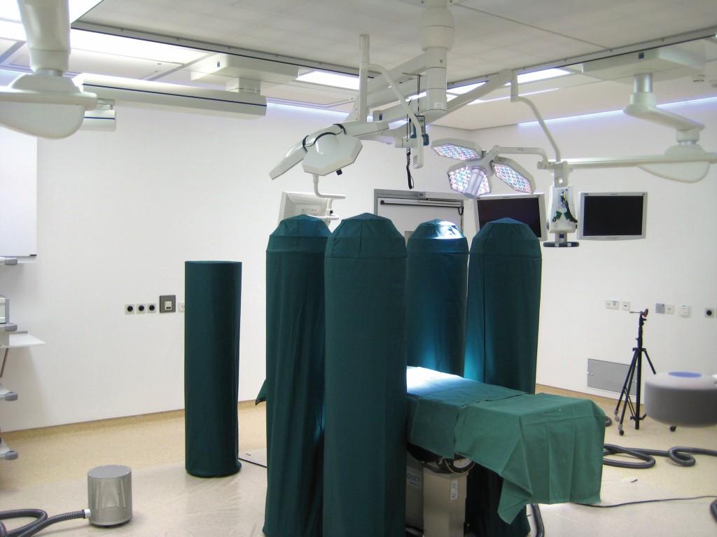Schutzgradmessung OP der Raumklasse Ia nach DIN 1946–4:2008 im ROBERT-BOSCH-Krankenhaus Stuttgart. Bild: Mann+Hummel Vokes Air