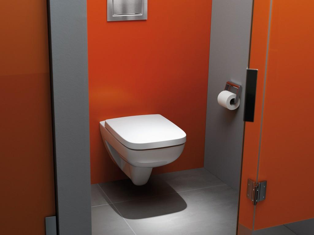 Spezialglasuren – wie für dieses Wand-WC – reduzieren Schmutz und Bakterien. Bild: Geberit