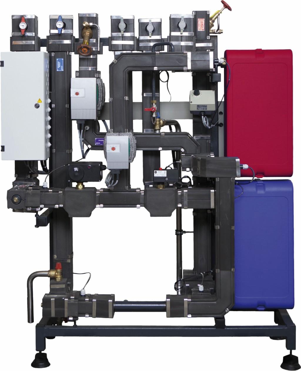 Frischwasserstation pewoAqua D LegioNo mit integrierter Regelung und Schnittstellen für Gebäudeleittechnik. Bild: Pewo