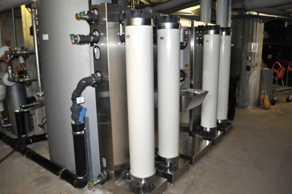 Im Zusammenspiel mit anderen technischen Maßnahmen setzte man auf den Einbau einer Ultrafiltrationsanlage am Hauswassereingang. Bild: Seccua GmbH