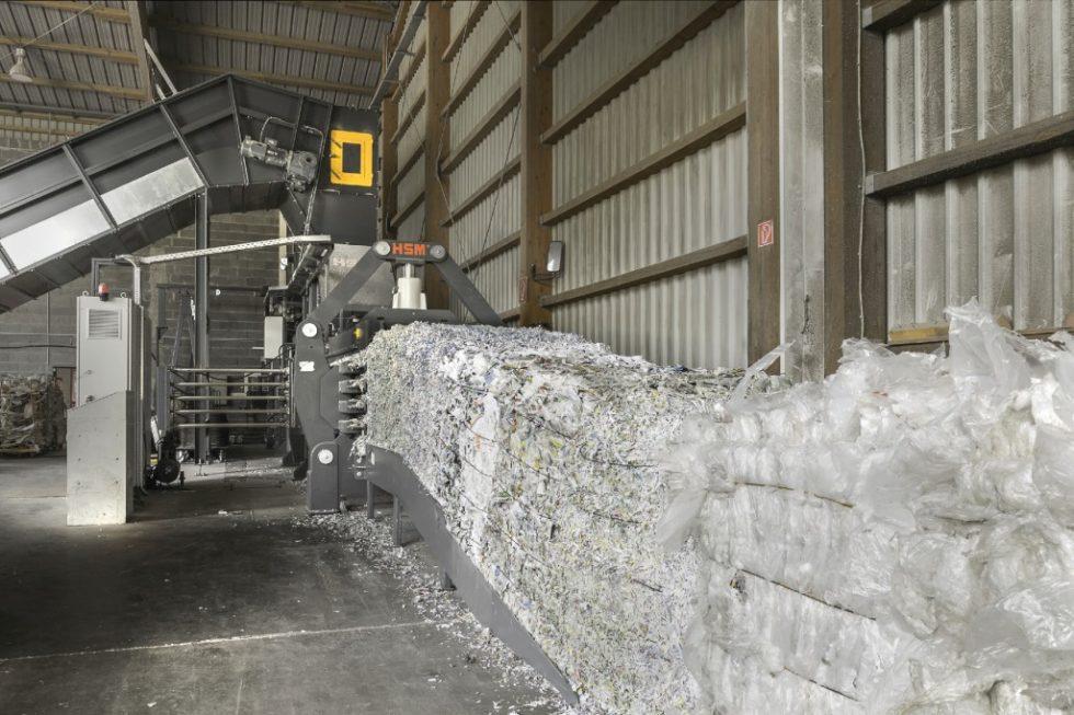Die HSM-Kanalballenpresse im Einsatz.Bild: HSM