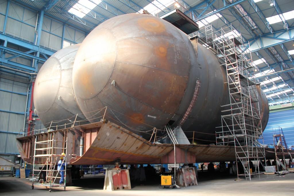 Dass Flüssiggastanks mehr Platz als Dieseltanks einnehmen, wird beim Schiffsbau berücksichtigt. Bild: Meyer Werft